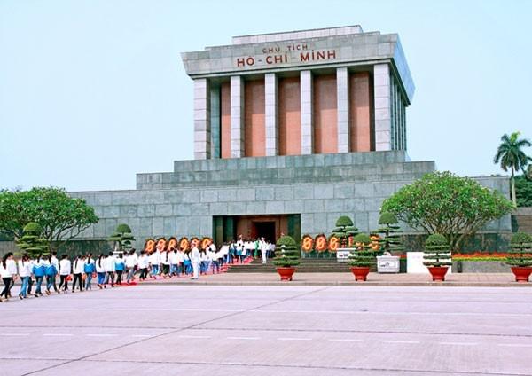 Lăng Bác – Bảo tàng Hồ Chí Minh – Thành cổ